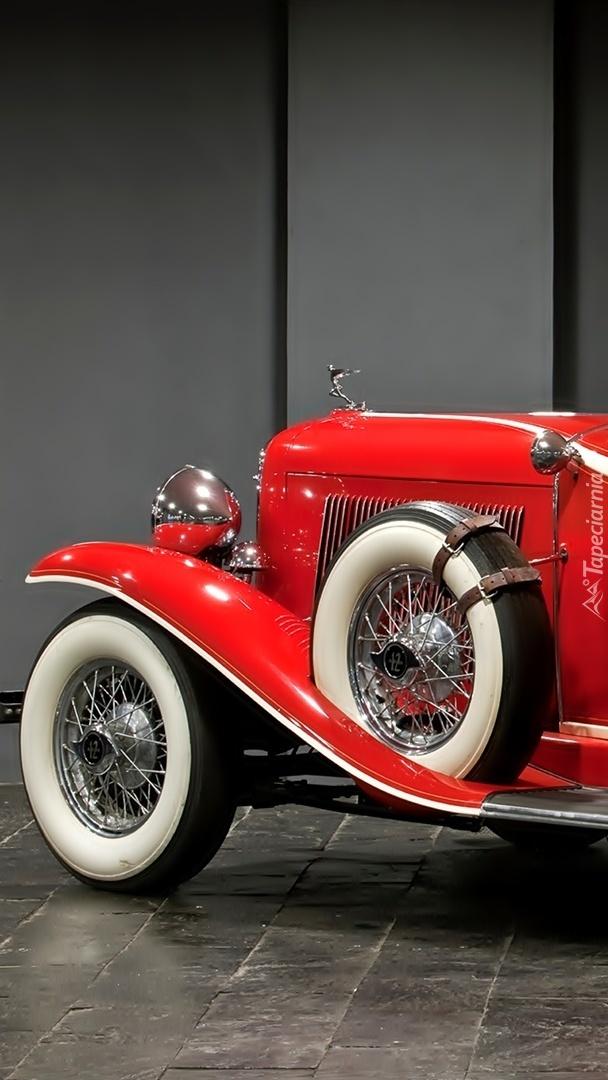 Czerwony Auborn V12