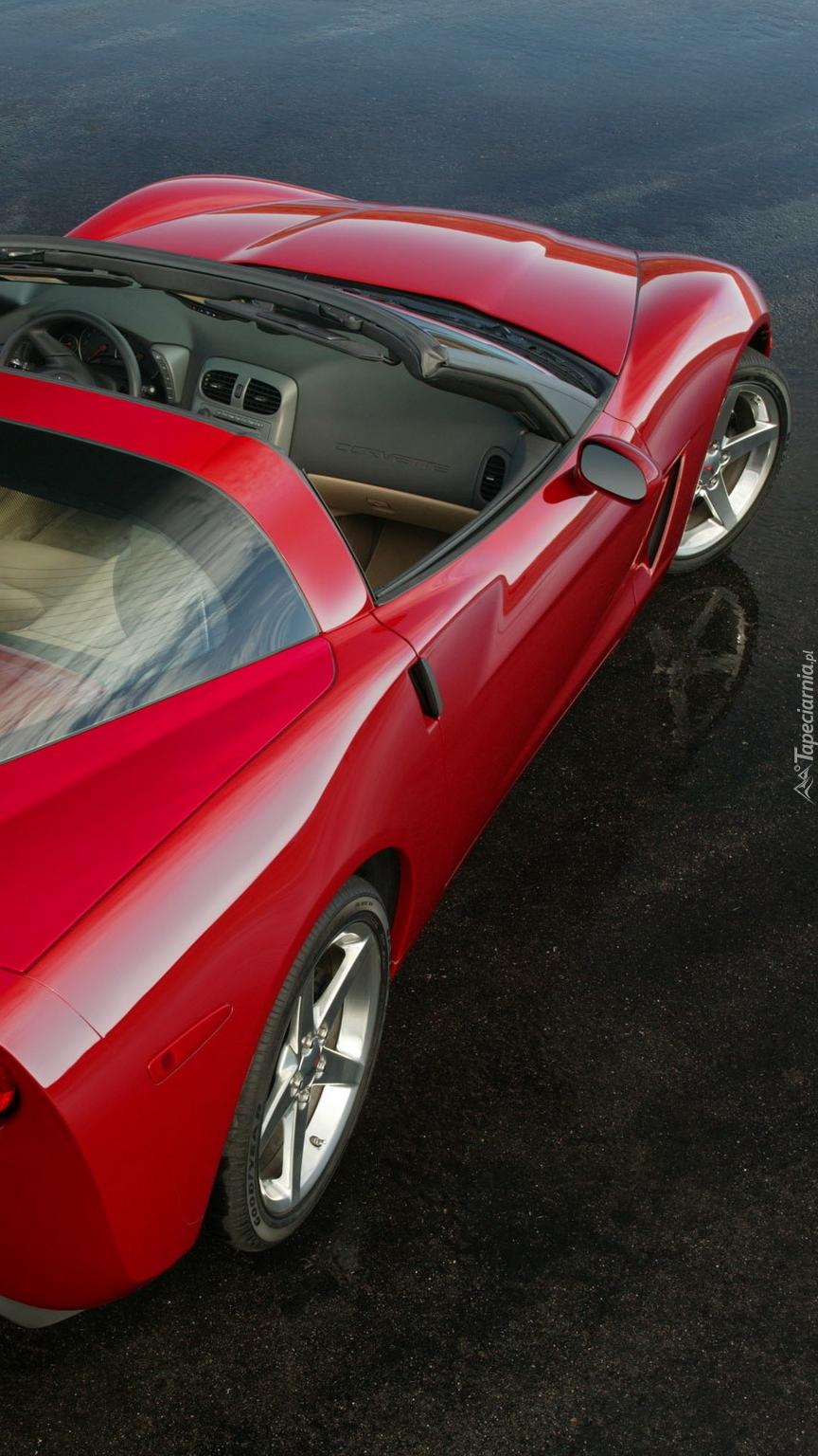 Czerwony Chevrolet Corvette