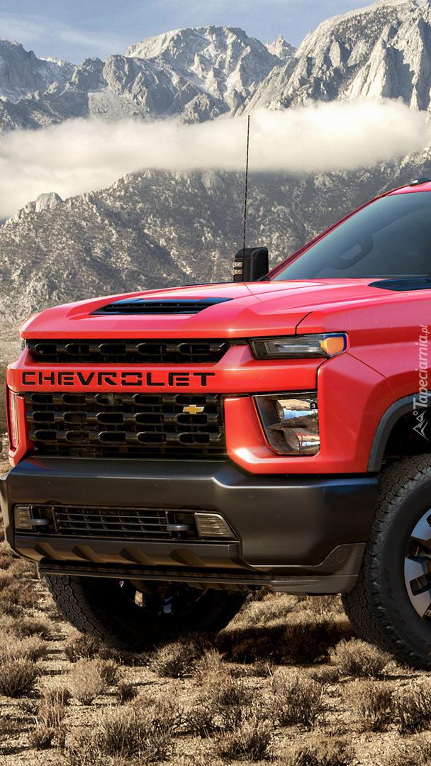 Czerwony Chevrolet Silverado 2500