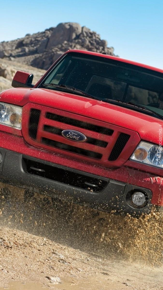 Czerwony Ford F150