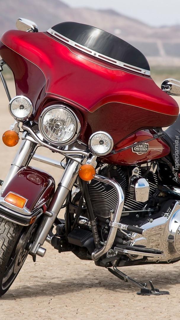 Czerwony Harley-Davidson