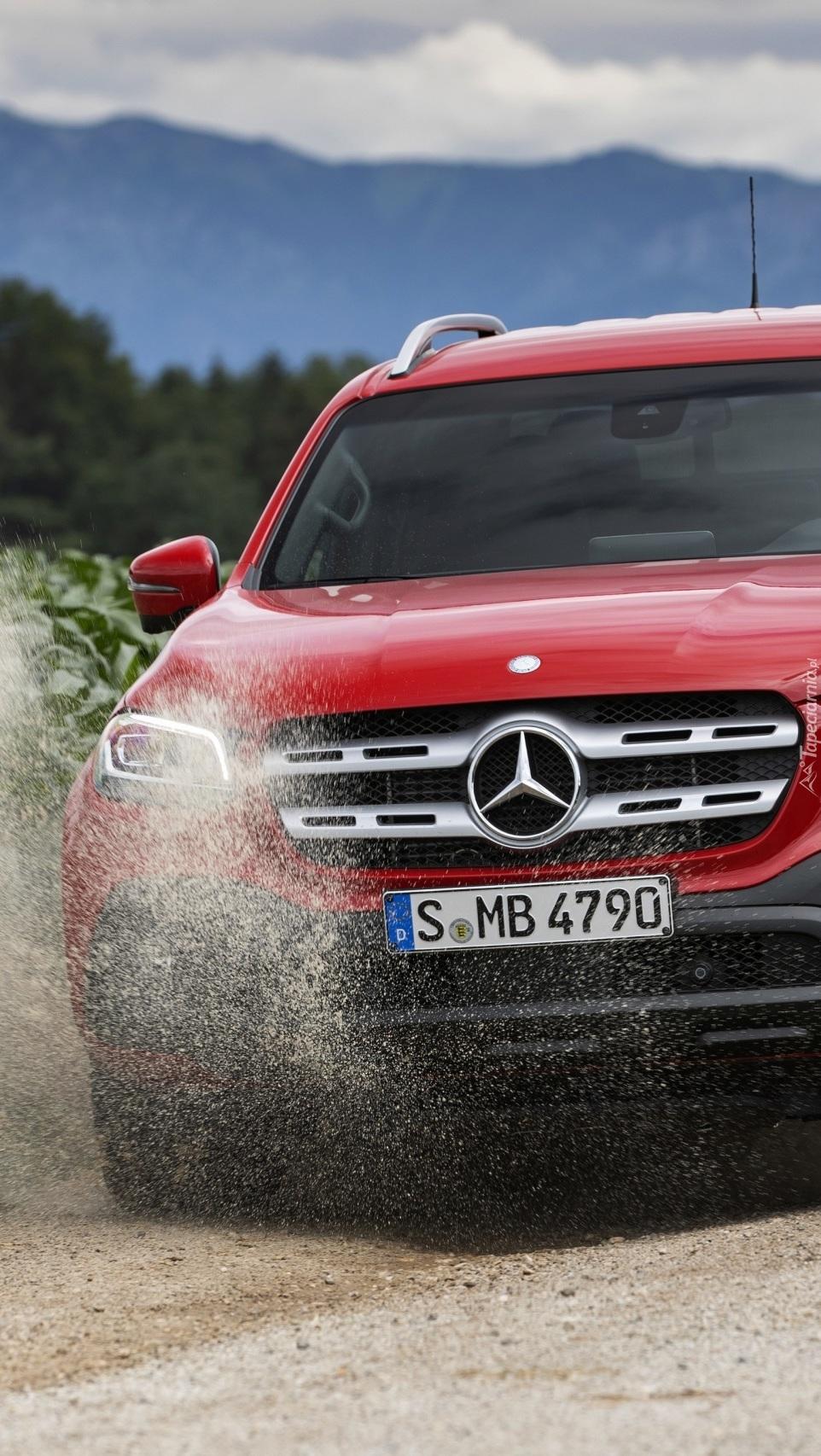 Czerwony przód Mercedesa