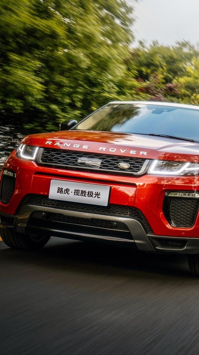 Czerwony Range Rover Evoque