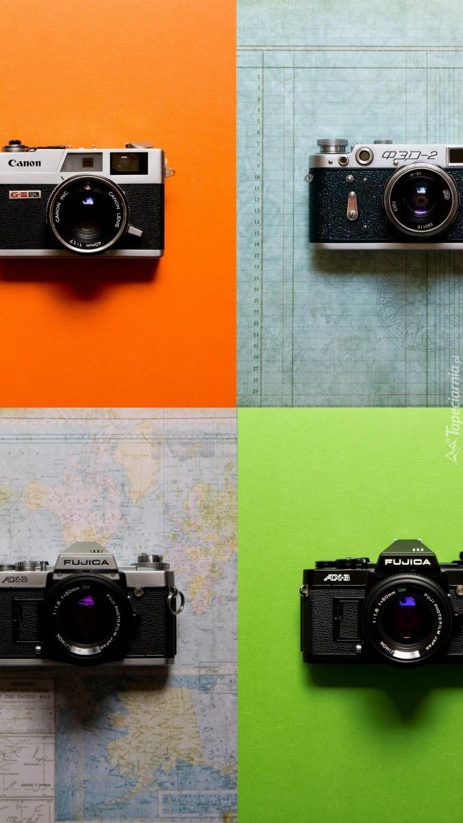 Cztery aparaty fotograficzne