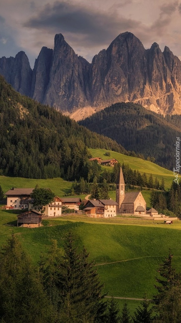 Dolina Val di Funes i masyw Odle