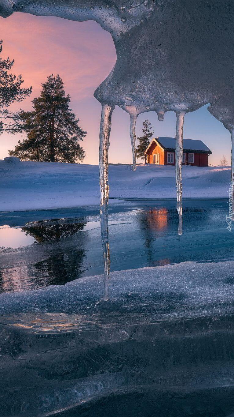 Dom nad jeziorem Vaeleren