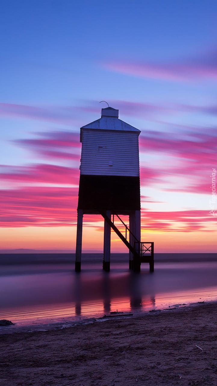 Domek widokowy na morskiej plaży