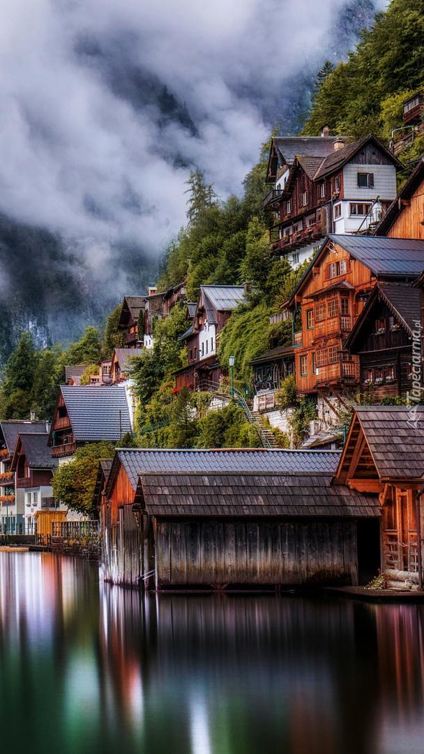 Domki nad jeziorem Hallstatt