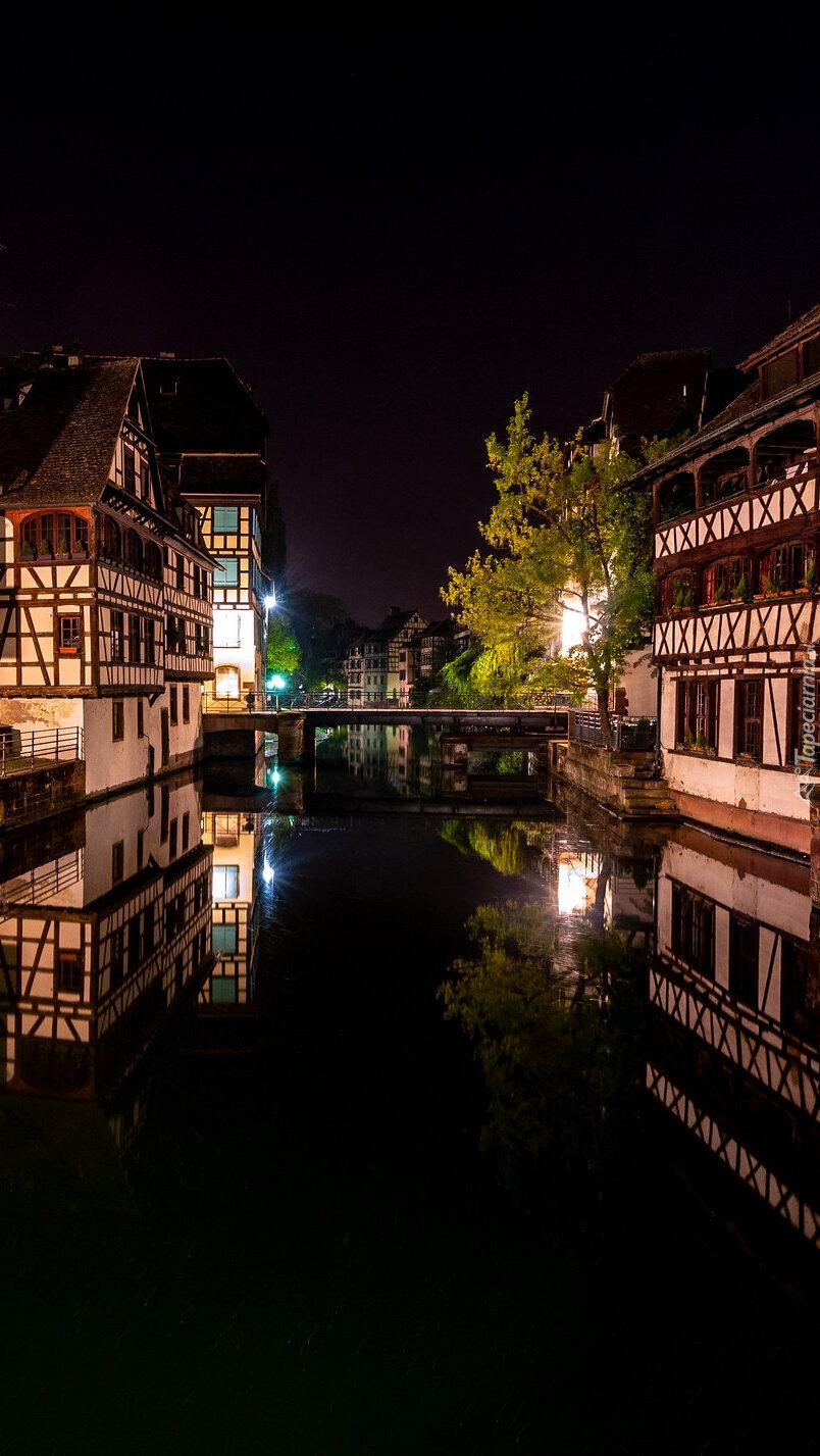 Domy nad kanałem w Strasburgu