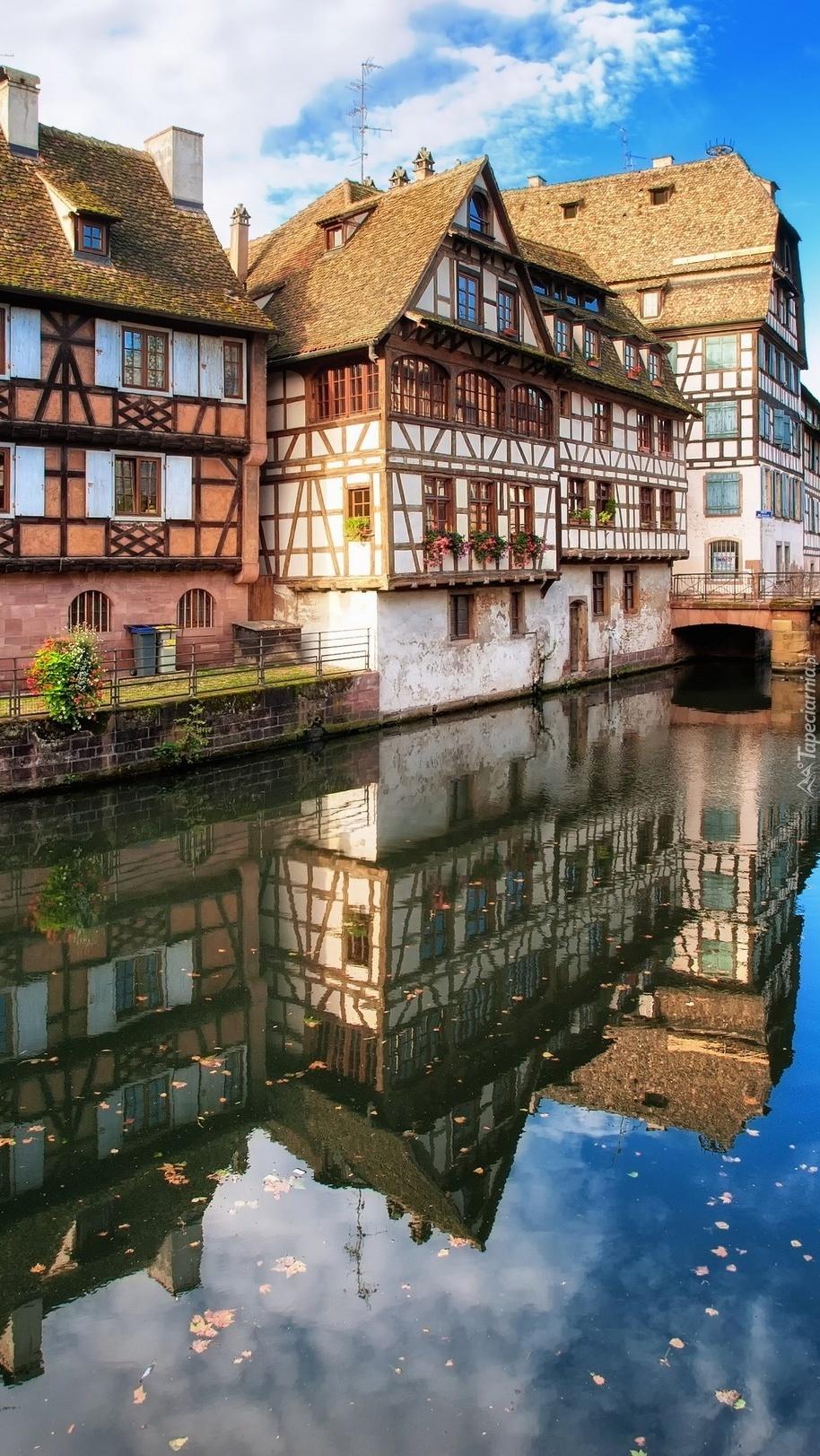 Domy nad rzeką