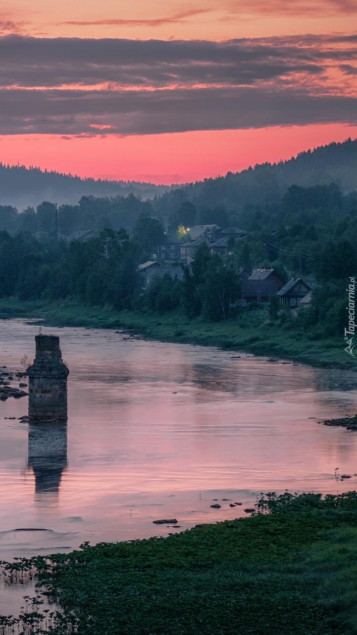Domy nad rzeką Usva