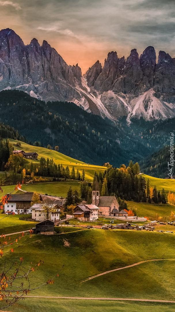 Domy w dolinie Val di Funes