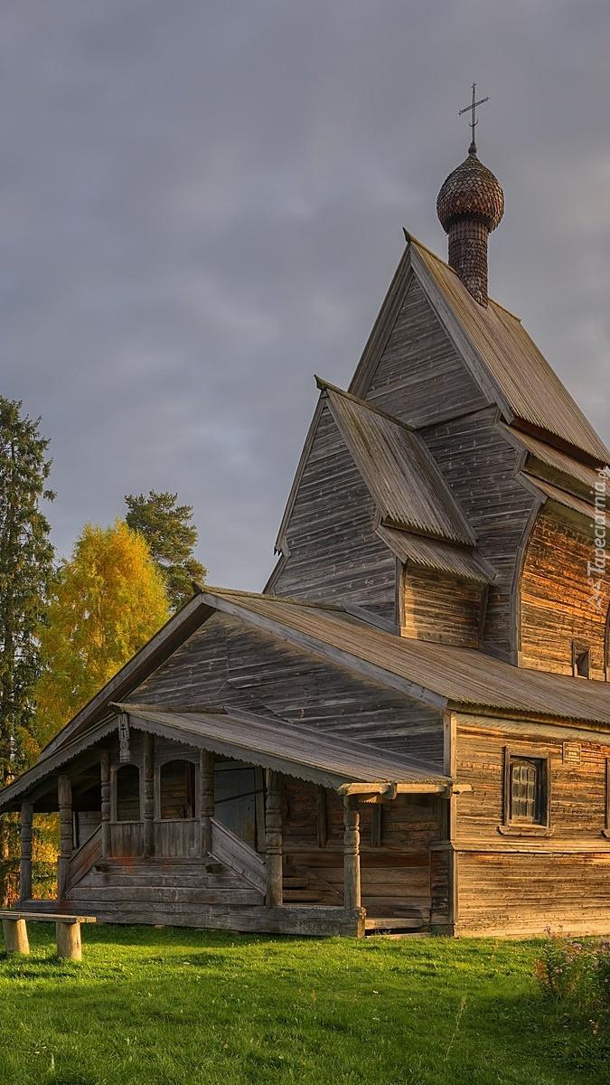Drewniana cerkiew w Rosji