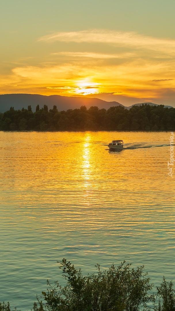 Dunaj o zachodzie słońca