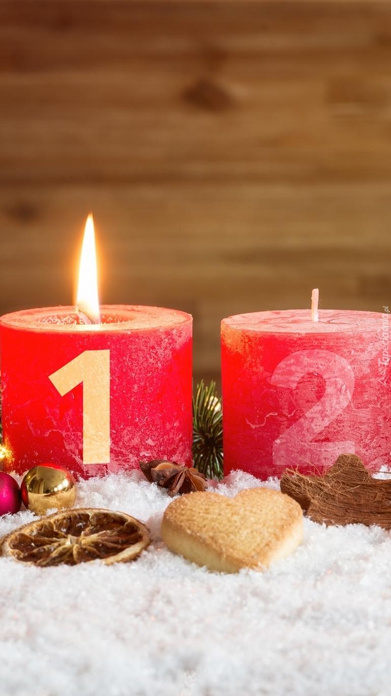Dwie adwentowe świece