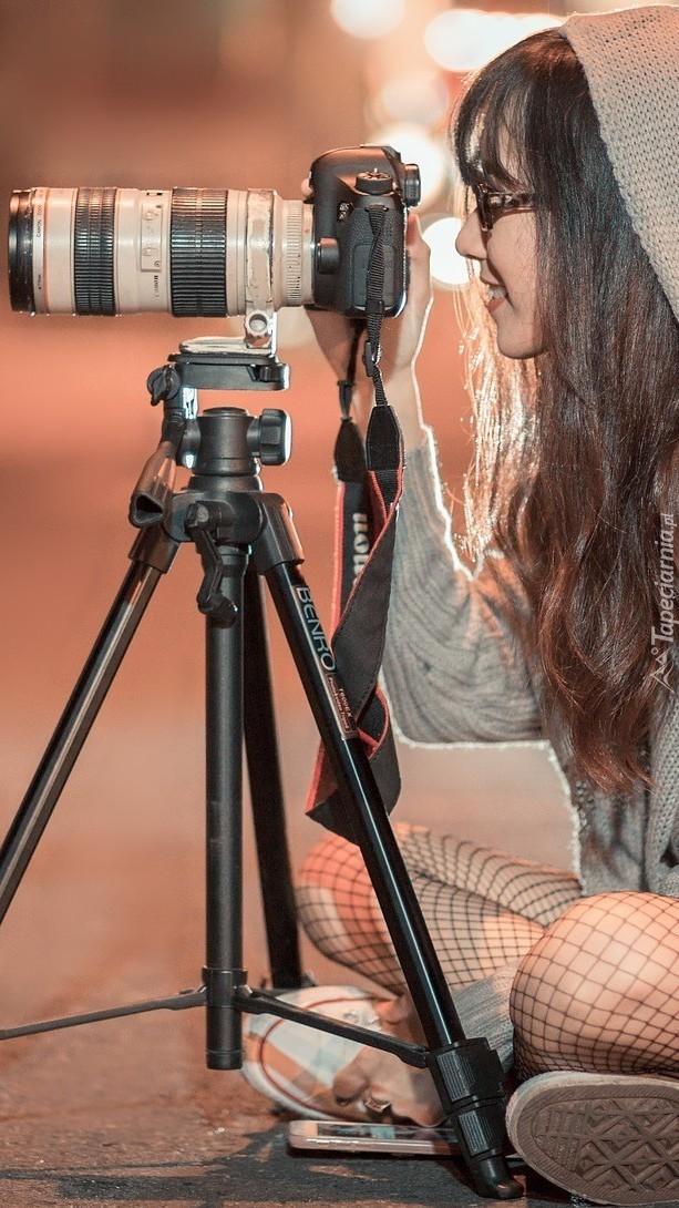 Dziewczyna z aparatem