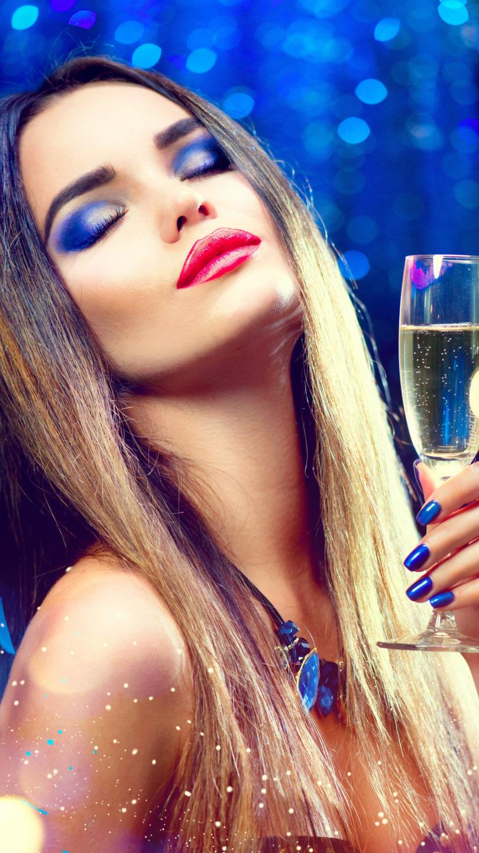Dziewczyna z kieliszkiem szampana