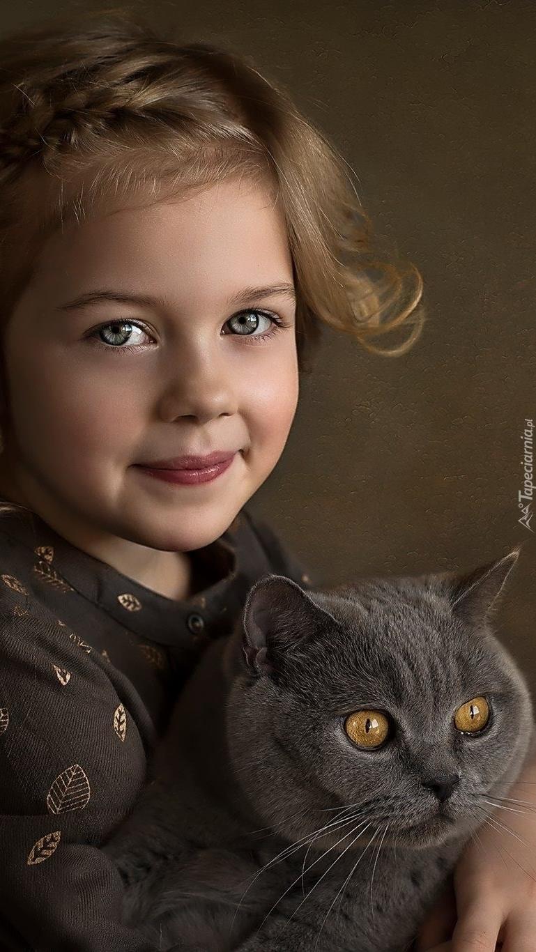 Dziewczynka z kotem