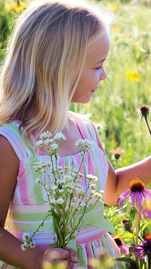 Dziewczynka z kwiatkami