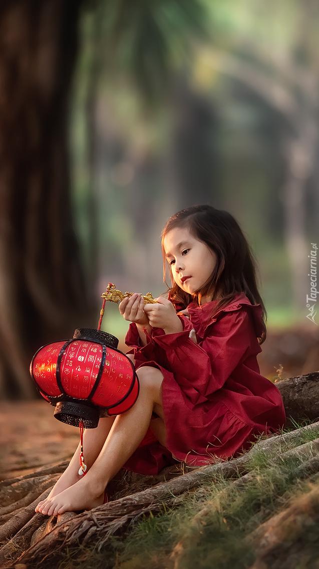 Dziewczynka z lampionem