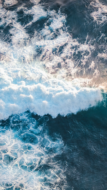 Fale na morzu