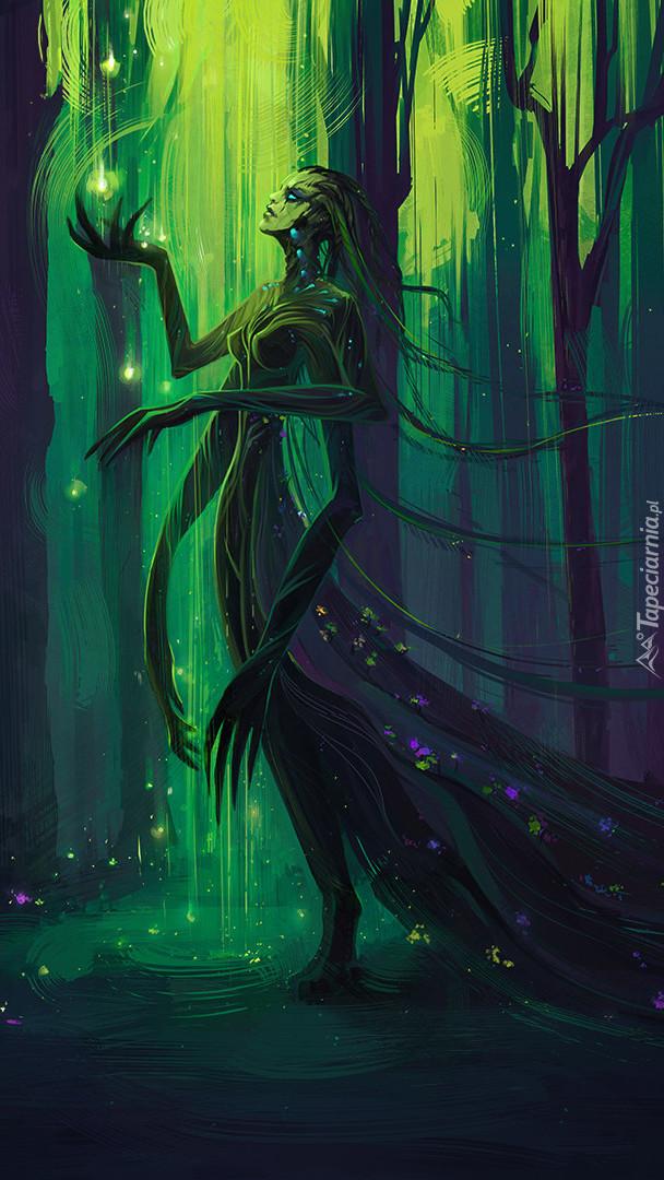 Fantastyczna postać wędrująca po lesie