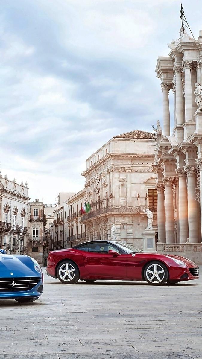 Ferrari na placu