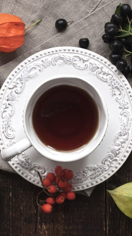 Filiżanka herbaty na talerzyku