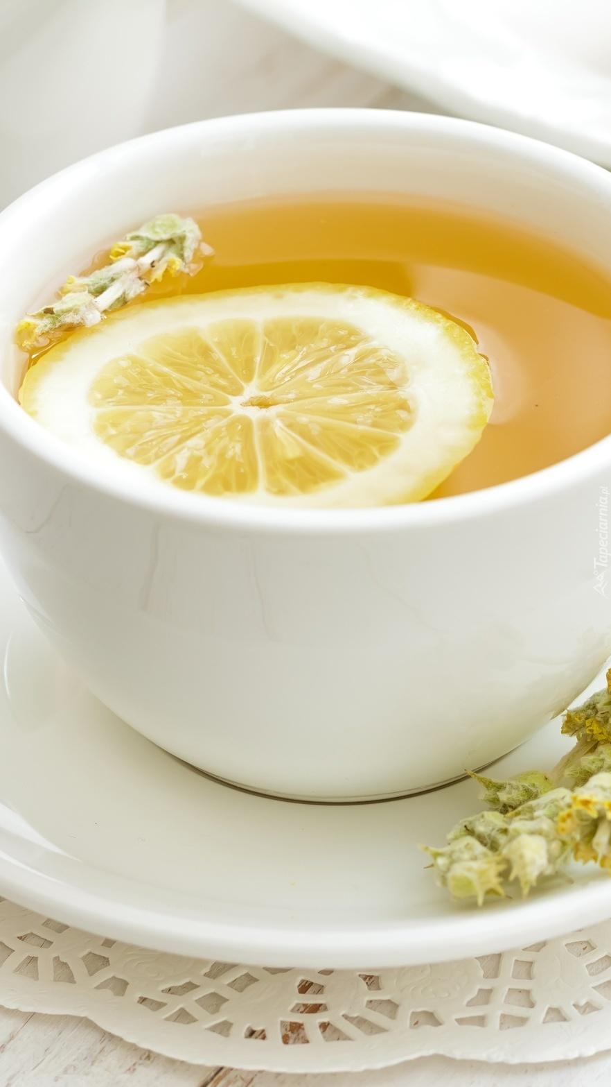 Filiżanka herbaty z cytryną