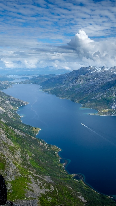Fiord Ersfjorden w Norwegii