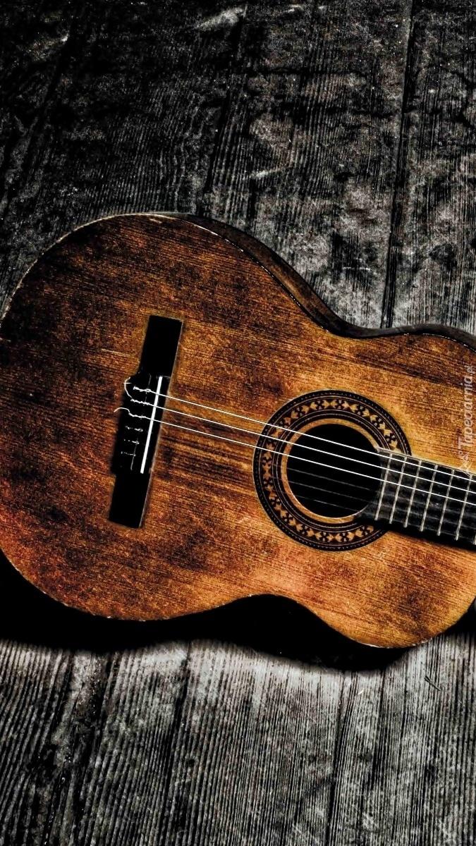 Gitara na deskach