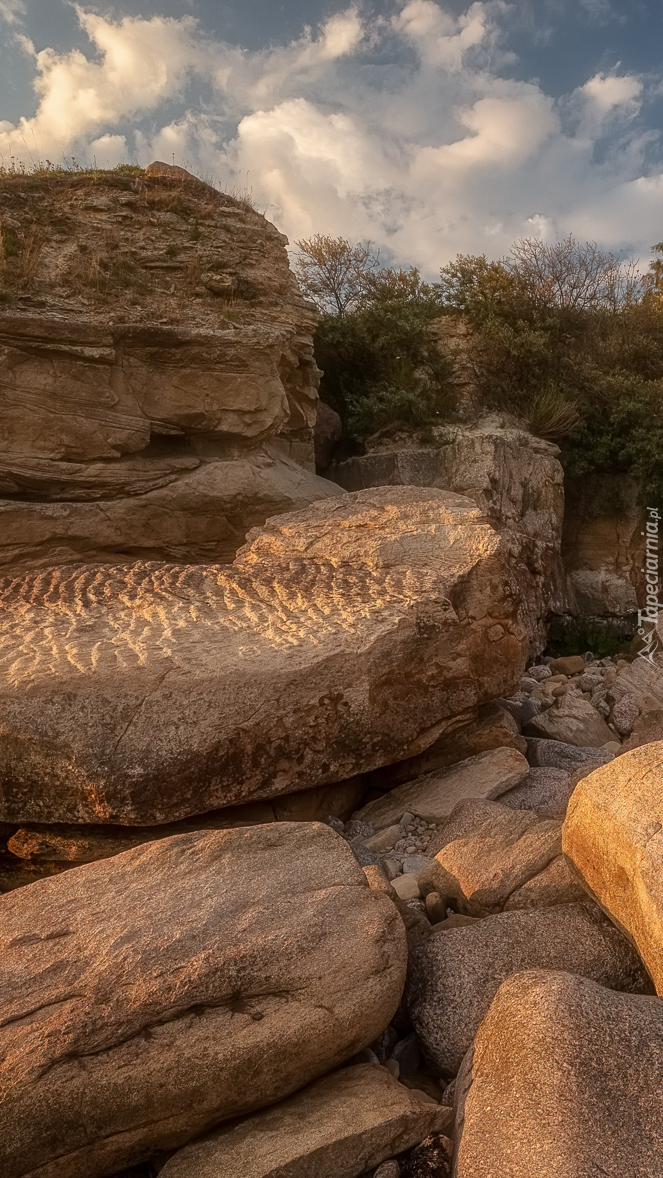 Głazy i skały