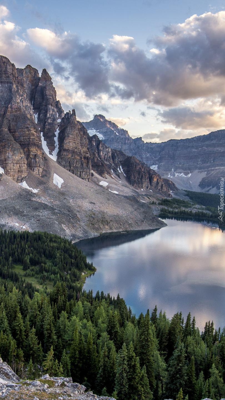 Góra nad jeziorem Sunburst Lake
