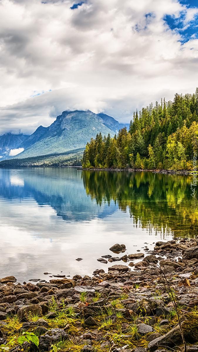 Górskie jezioro Lake McDonald