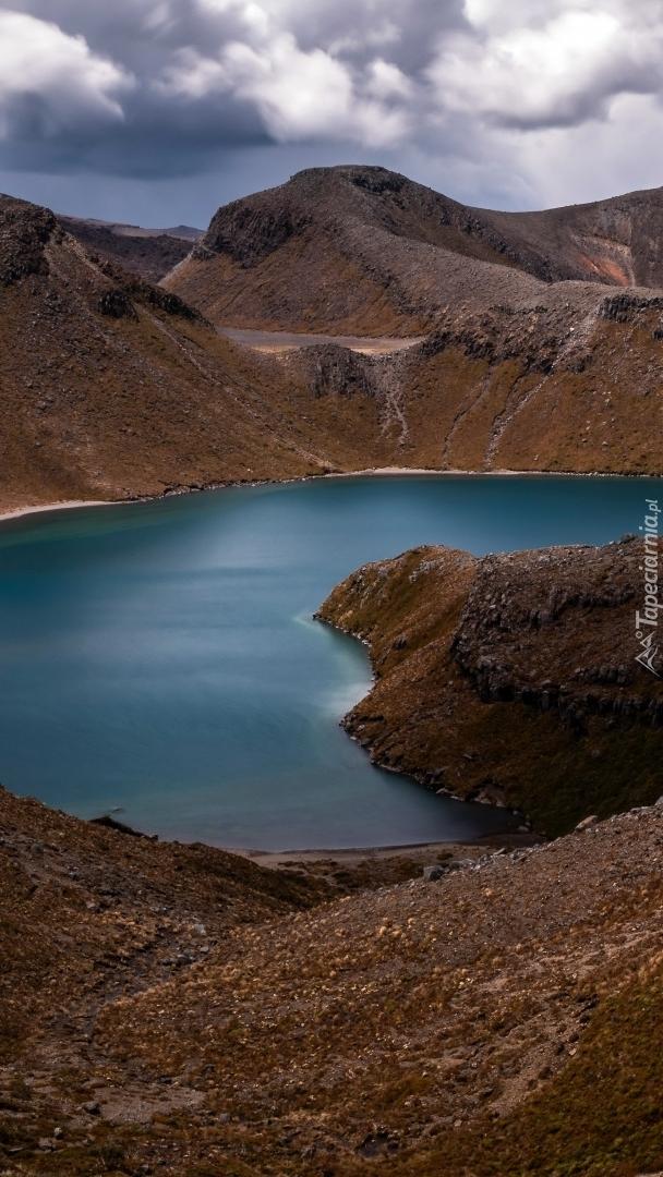 Górskie jezioro Tama Lake w Nowej Zelandii