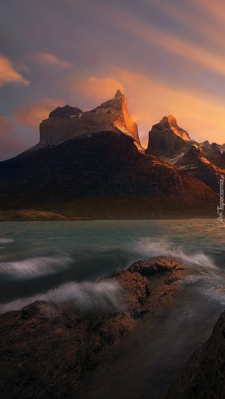 Góry Cordillera del Paine w Chile