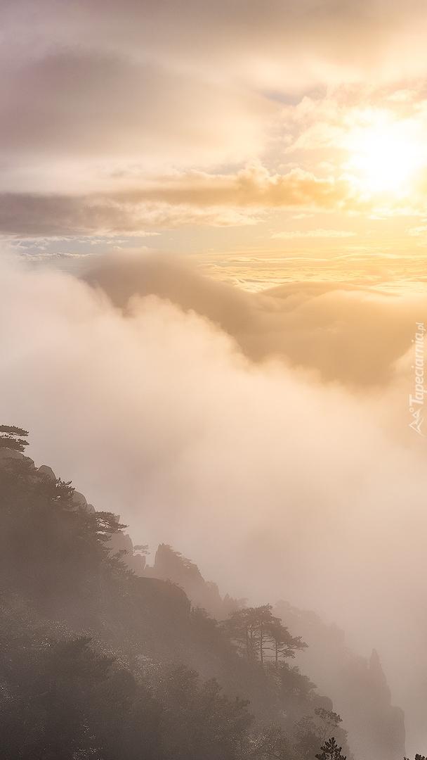 Góry Huang Shan we mgle