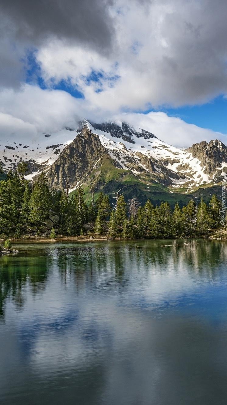 Góry i jezioro