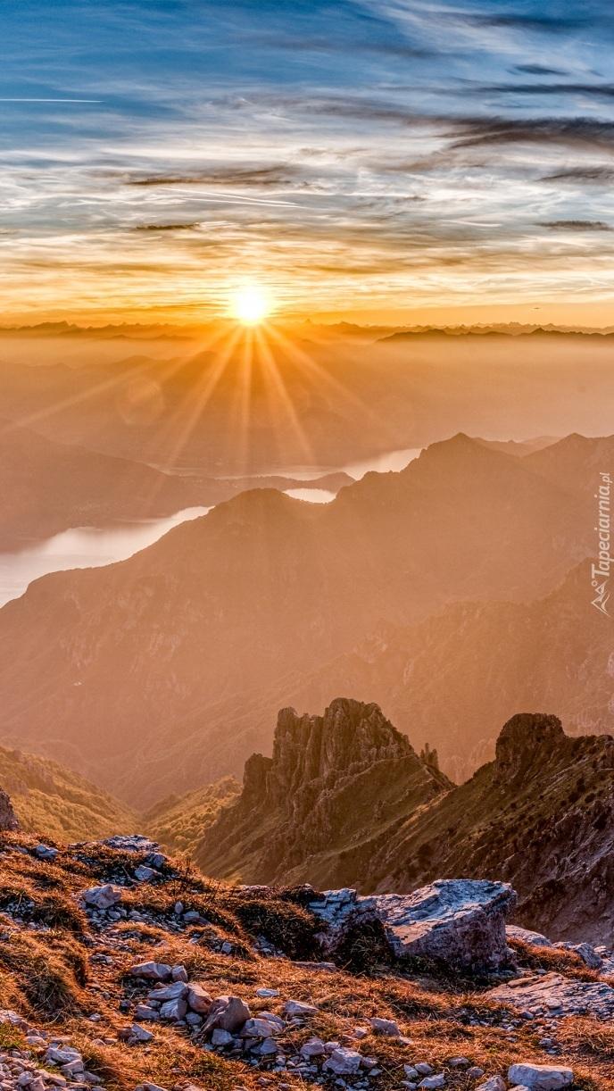 Góry i jezioro Como