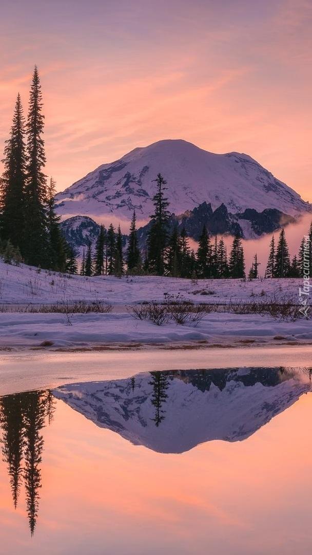 Góry i jezioro Tipsoo Lake