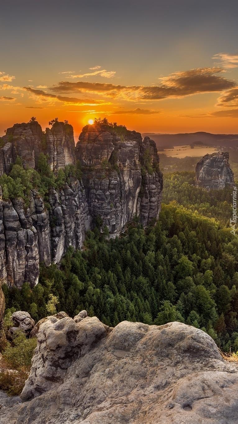 Góry Połabskie o zachodzie słońca