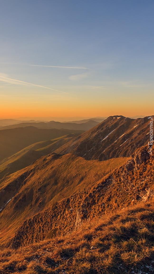 Góry Terminillo o zachodzie słońca