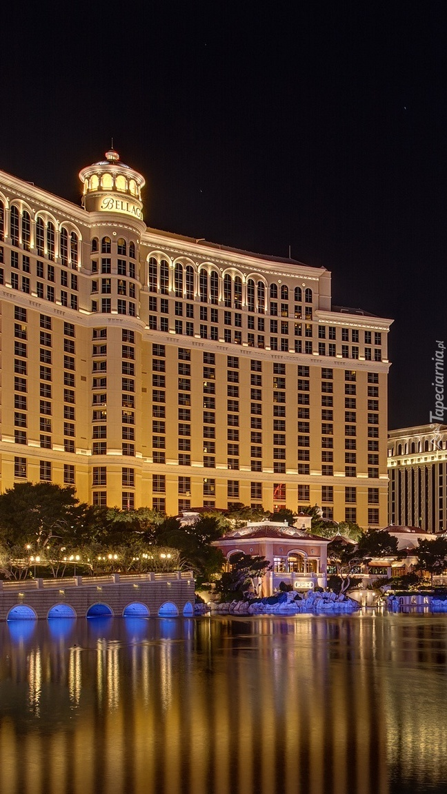 Hotel Bellagio nocą w Las Vegas