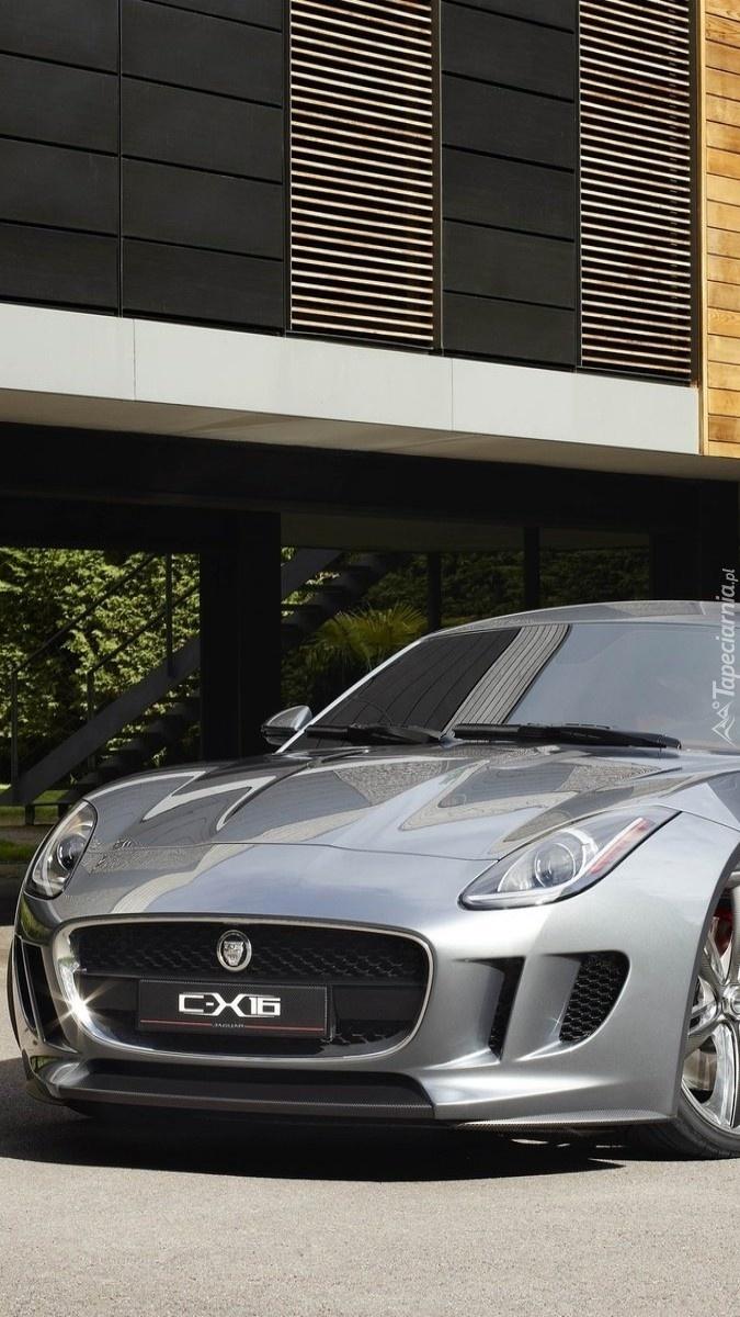 Jaguar C-X16 na drodze