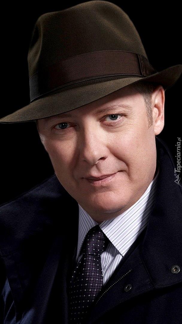 James Todd Spader w kapeluszu
