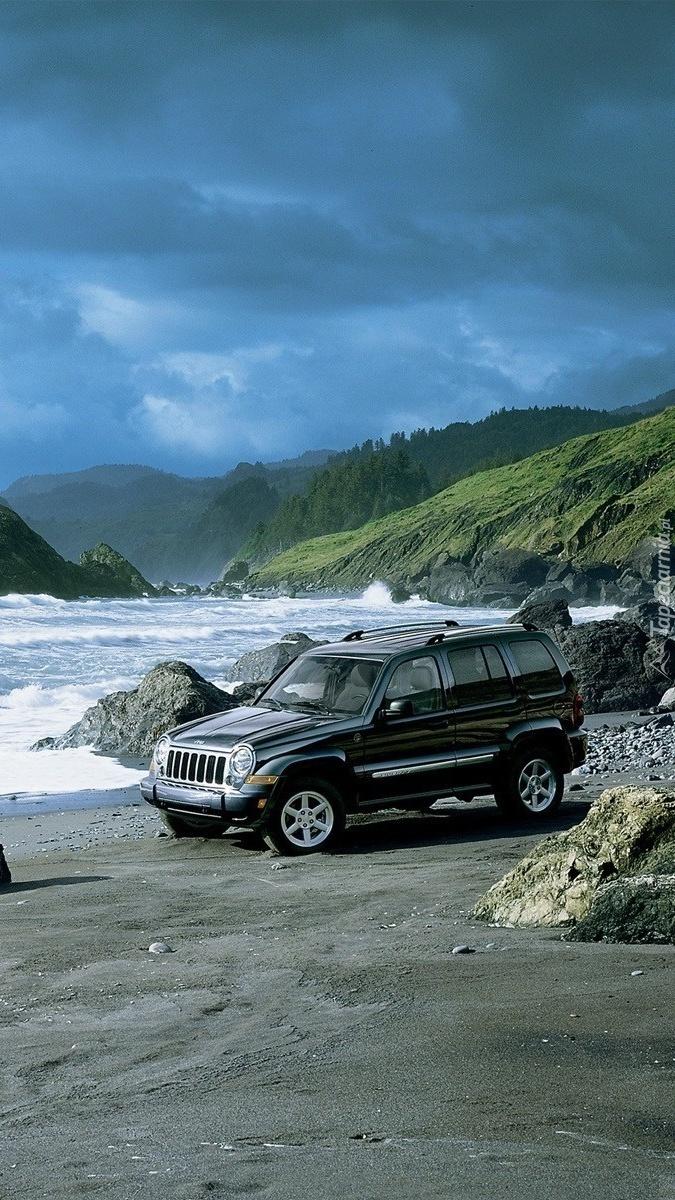 Jeep Cherokee na plaży