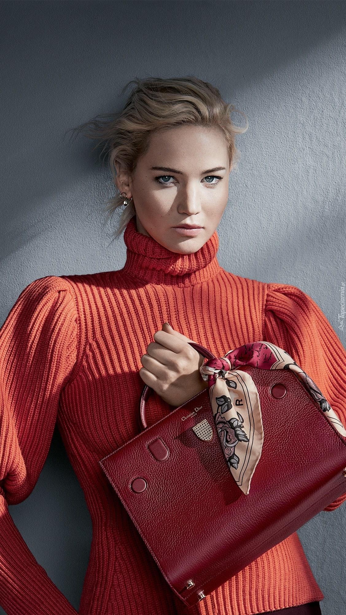 Jennifer Lawrence z torebką