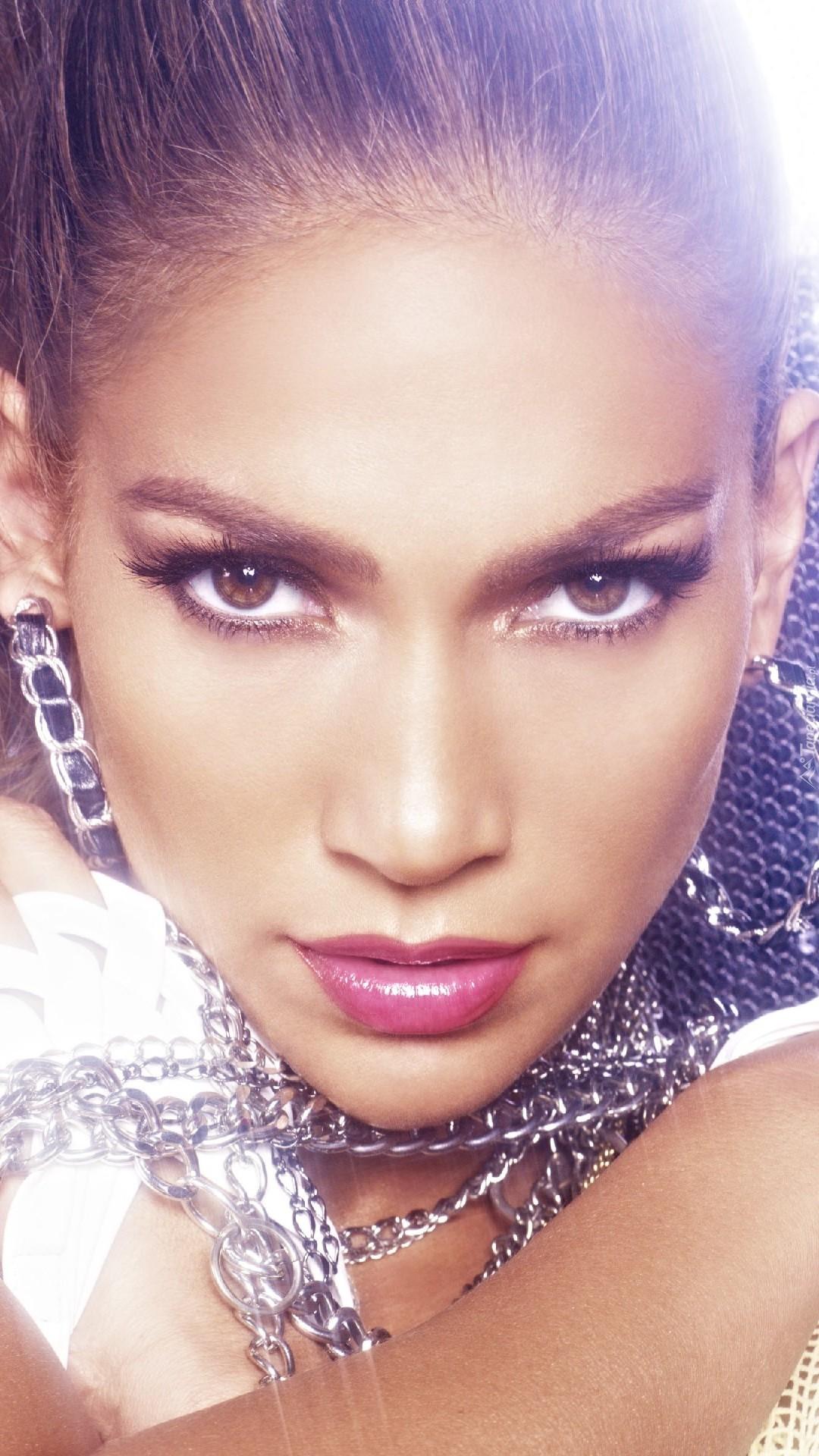 Constance Marie: ekran anne Jennifer Lopez 99
