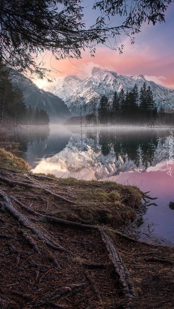 Jezioro Almsee i góry Totes Gebirge