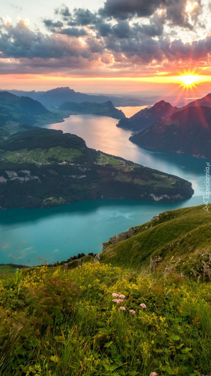 Jezioro Czterech Kantonów w Szwajcarii